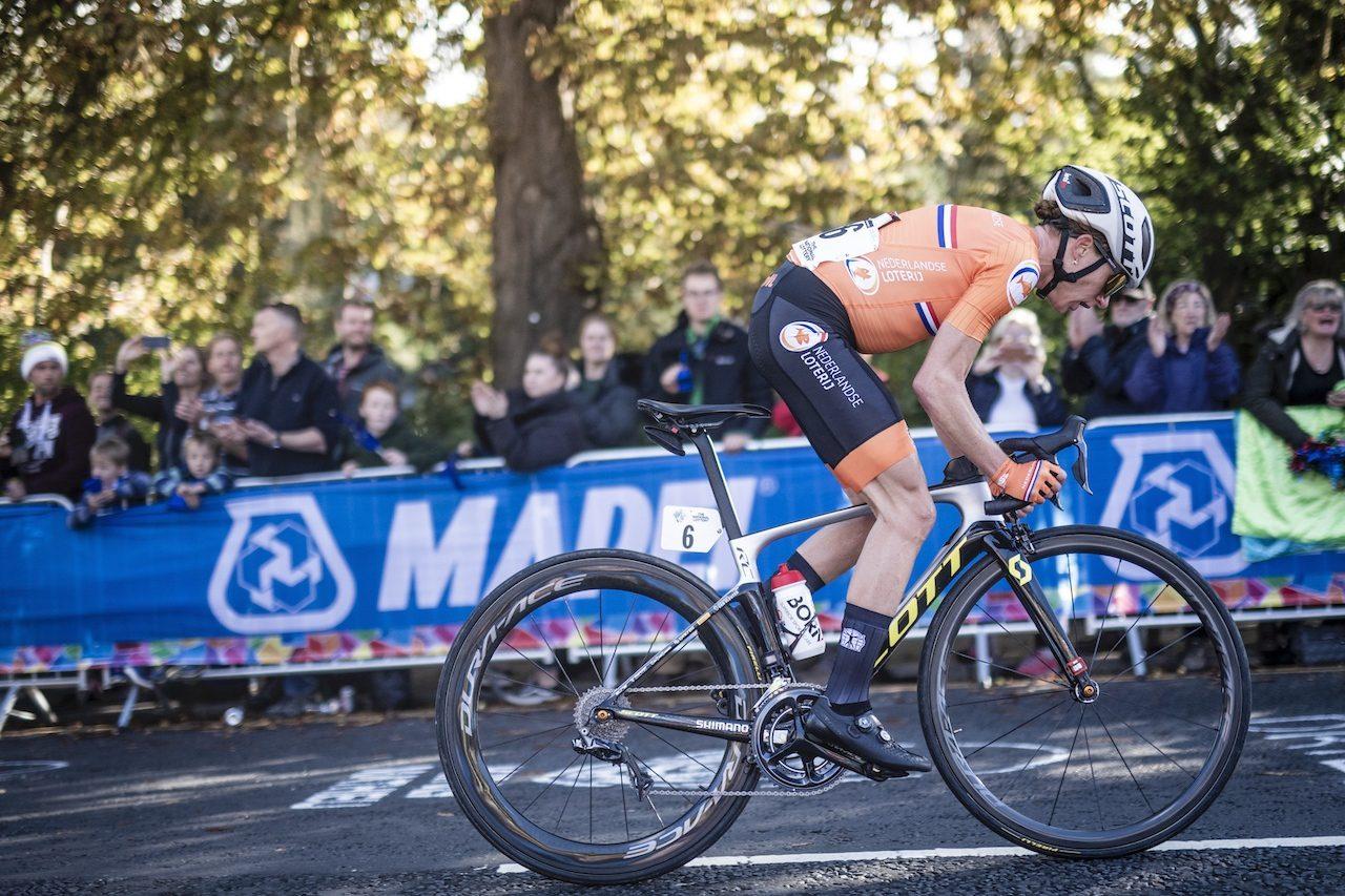 Annemieke Van Vleuten en course au championnat du monde 2019